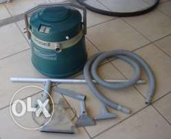 Bissell wet and dry carpet cleaner