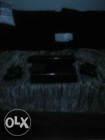 Xbox360+2controls+kinect 640gb+5games intalled in xbox and 2 kinect CD