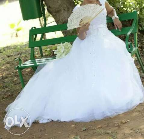 Wedding dress very good condition, used once