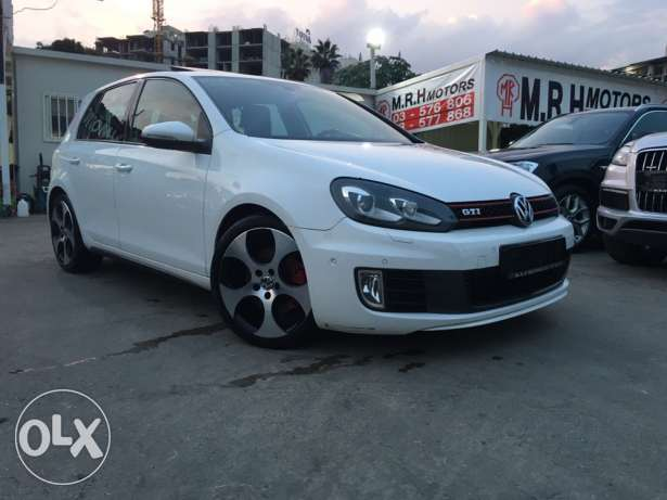 VW Golf VI GTI 2011 White Fully Loaded in Excellent Condition! بوشرية -  1