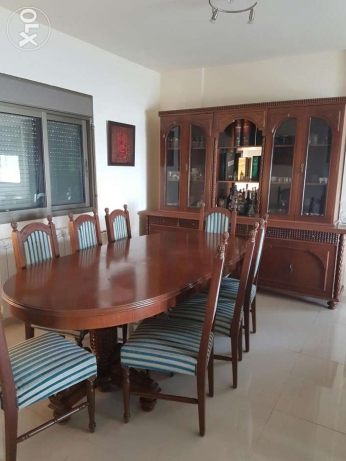 Traditional Dinning Table