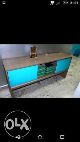 Table glass low cabinet