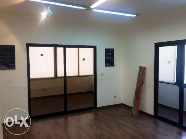 100 sqm office space for rent in Verdun