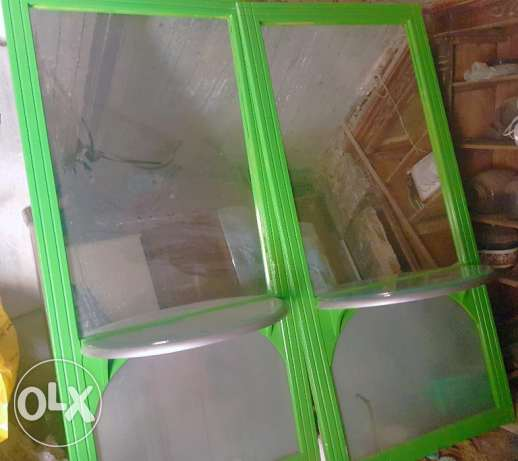 Green Wood Mirror In Perfect Condition 3 مرايا خشب العدد