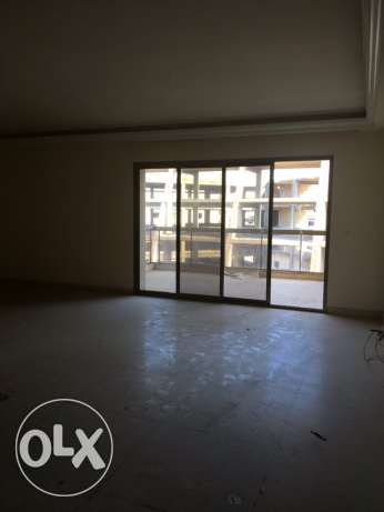 Jnah : 215m apartment for rent