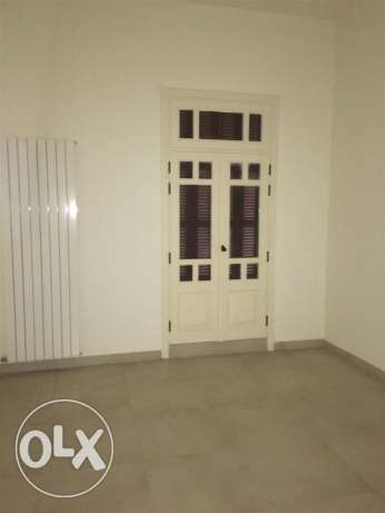 Clemenceu: 233m apartment for sale ميناء الحصن -  3