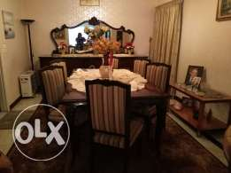 Tables + 8 chaises + dressoir For sale