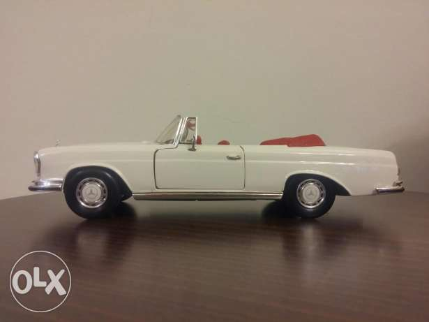 Mercedes Benz 280se 1967 diecast model car