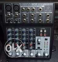 Behringer xenyx 802 premium 8 input 2 bus mixer with mic preamp and Br