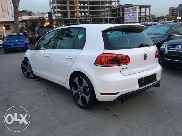 VW Golf VI GTI 2011 White Fully Loaded in Excellent Condition! بوشرية -  3