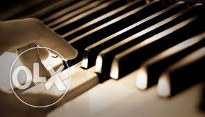 i teach private piano lessons .for all ages وسط المدينة -  1