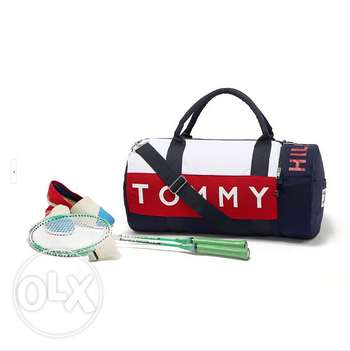 Sports bag (2 pics) (Free delivery within Beirut)