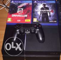PS4 like new with 2 great games