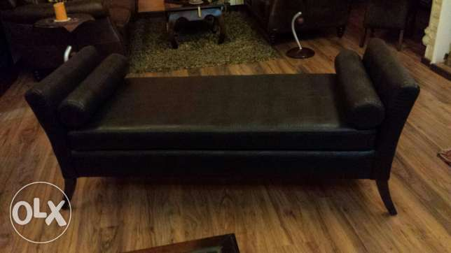 Sofa for sale very new 550$