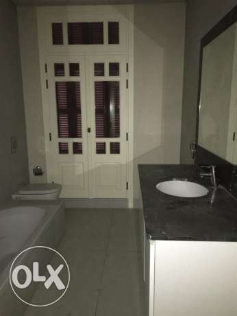 Clemenceu: 233m apartment for sale ميناء الحصن -  5