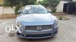 Nissan maxima 2010 full options