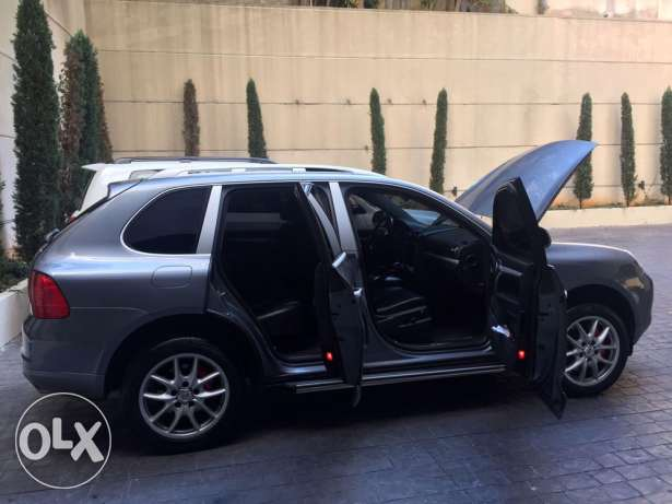 porsche cayenne-s Model 2005 for one owner very good condition فردان -  4