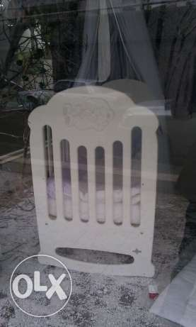 White baby crib like NEW $490 originally $1100
