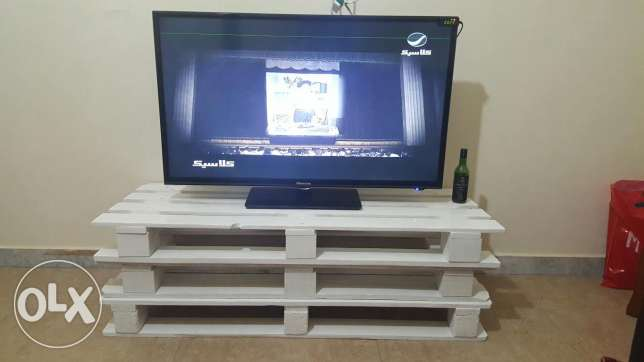 T.v table
