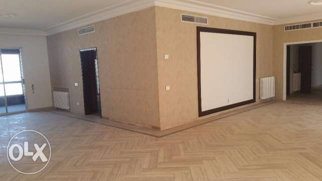 (R16284) - For Rent Apartment in Achrafieh