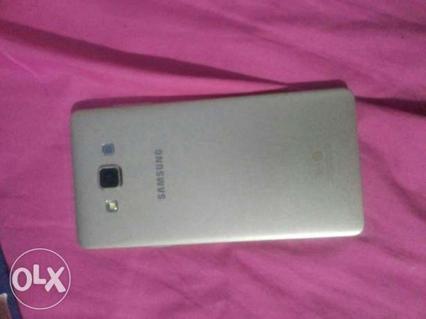 Samsung galaxy a7 (gold) بشامون -  5