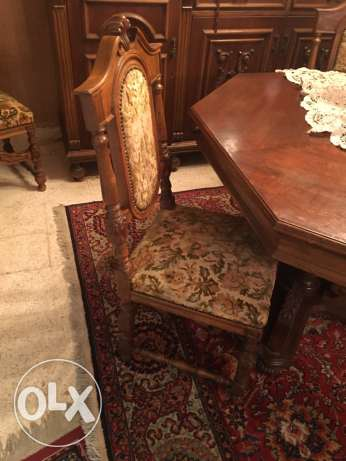 collectable dining table