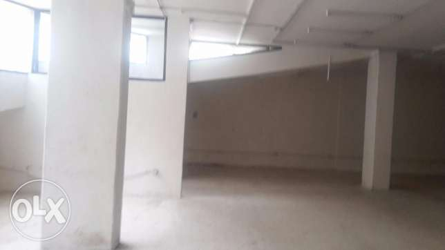 rawda warehouse with truck entrance for rent