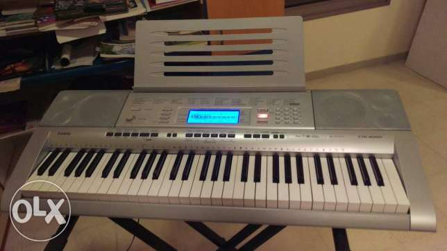 Casio keyboard for sale. Perfect for beginners