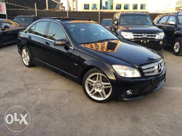 Mercedes C200 CGI 2010 Black/Black AMG Kit Panoramic Like New! بوشرية -  1