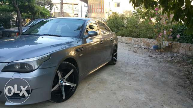 For sale bmw 530 model 2006 very clean car faresh jeled aswad fat7a