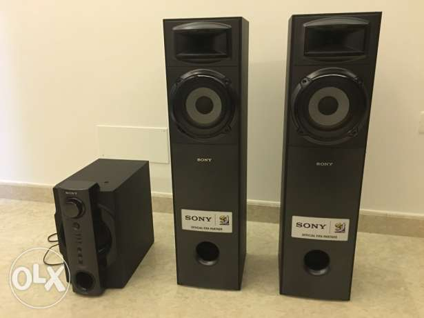 Sony 2.1 sound speakers and subwoofer