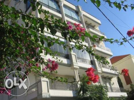 208 sqm apartment for sale in a traditional area in Baabda بعبدا -  1