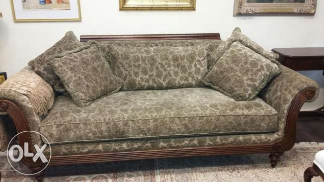 Elite Green velvet couch... USA.. origin cost $6000