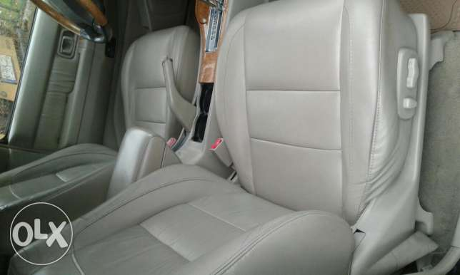 Infiniti Model 2001, excellent condition