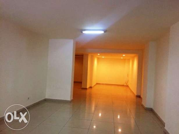 100 Sqm Commercial Space for Sale in Hamra, Beirut (OF1797)
