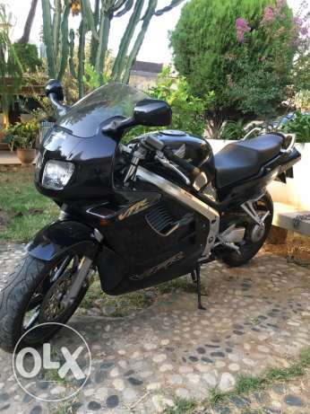 honda VFR 750 registered 1994. Excellent condition. المرفأ -  1