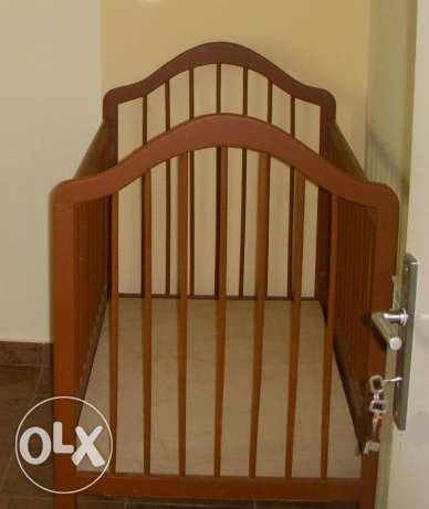 Baby Crib with Mattress VERY CLEAN