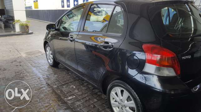 Toyota Yaris 2011 black full options From BUMC, 1 owner, Like new