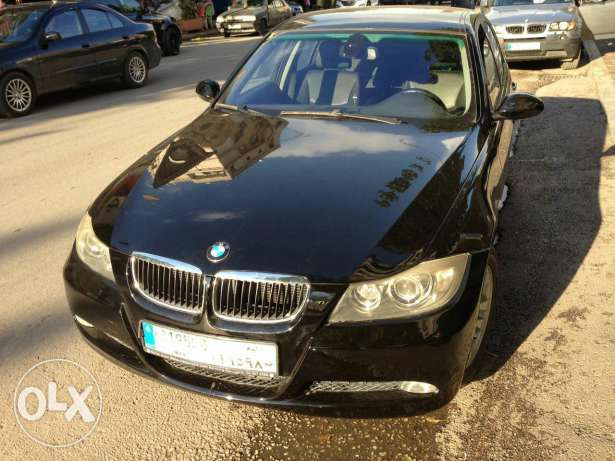 Bmw 320i black/black Full option, 4 cylinders, German origin,sensors فنار -  1