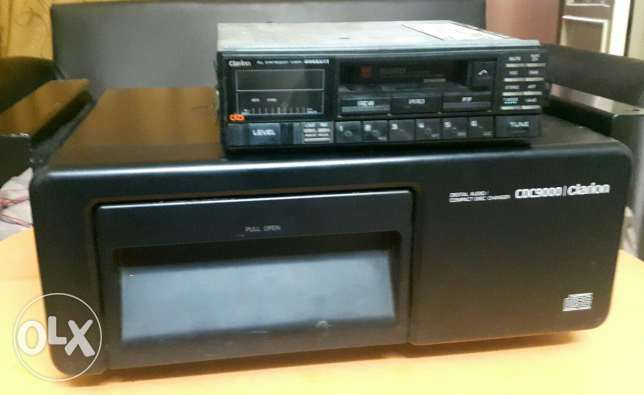 Clarion radio cassete and Cd box