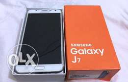 Samsung J7 + 8GB SD + Cover + Protection