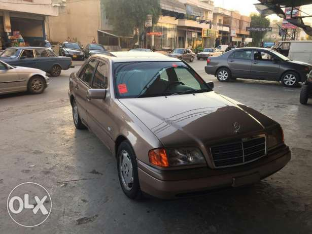 C180 super clean model 96 very good condition ma baha chi brown and br النبطية -  1