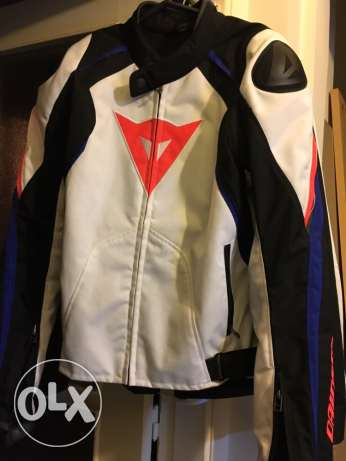 Dainese Jacket and back protection for sale راس  بيروت -  4
