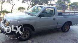 pick up Nissan frontier model 2000