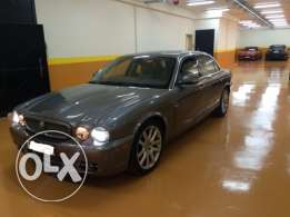 Jaguar xj model 2009 v6 low milage