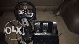 Logitceh g27 racing wheel, pedals, gear