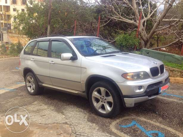 x5 , model 2004 , full option , great conditions