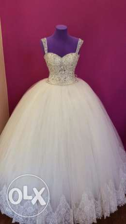 Wedding dress (new)