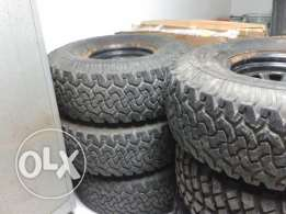 "Tyres : BF Goodrich All Terrain 35""x12.5""x15"""
