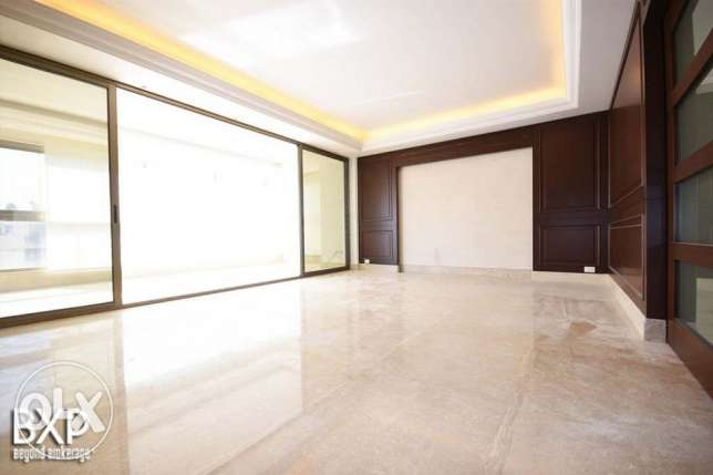 270 SQM Apartment for Rent in Beirut Tallet El Khayat AP4422